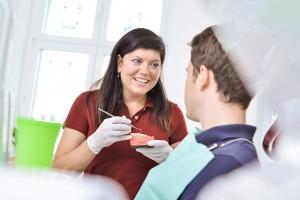 Patientengespraech - Zahnarzt Berlin Lichtenberg