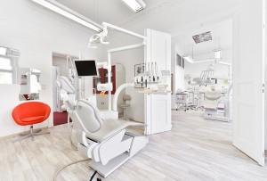 Behandlungszimmer eins Zahnarzt in Lichtenberg